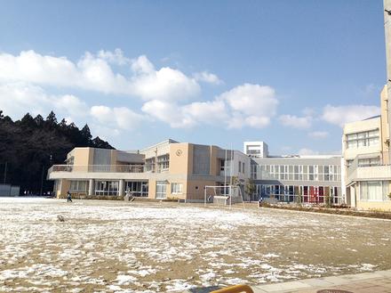 いなべ市立員弁東小学校  約1,600m(徒歩約20分) TEL:0594-74-2073