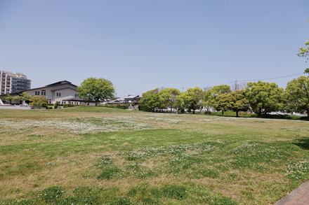 江島総合スポーツ公園  約850m 徒歩約11分