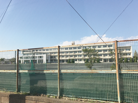 甚目寺南中学校  750m(徒歩約10分)