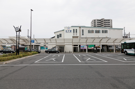 近鉄名古屋線「白子」駅  約1,200m 徒歩約15分