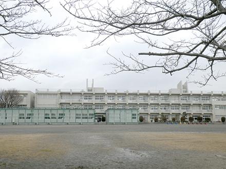 町立神田小学校  約1,100m 徒歩 約13分