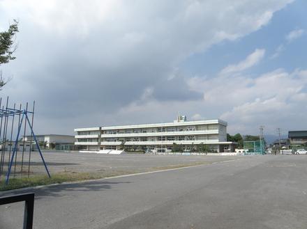 町立稲部小学校  約2,300m(徒歩約28分)
