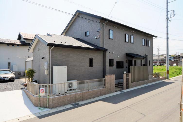 共有性と独立性を兼ね備えた二世帯住宅。