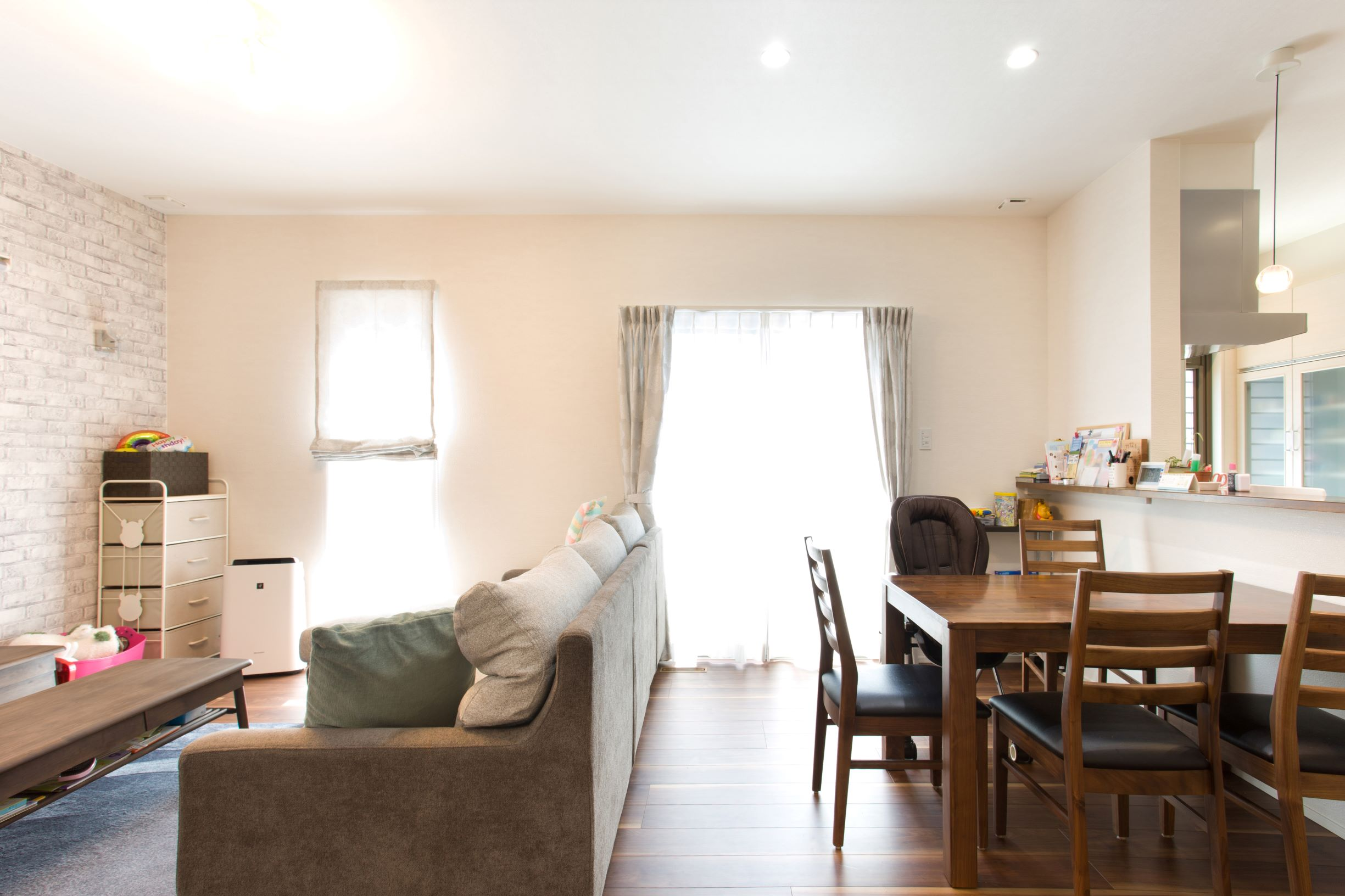 【家事らく × 収納充実】家事も子育てもしやすいオープンLDKの家「ぐるりと回れる動線が便利です」