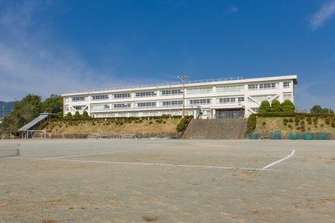 東観中学校 徒歩約23分(約1800m)