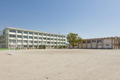 玉垣小学校 徒歩で約13分(約1,000m)