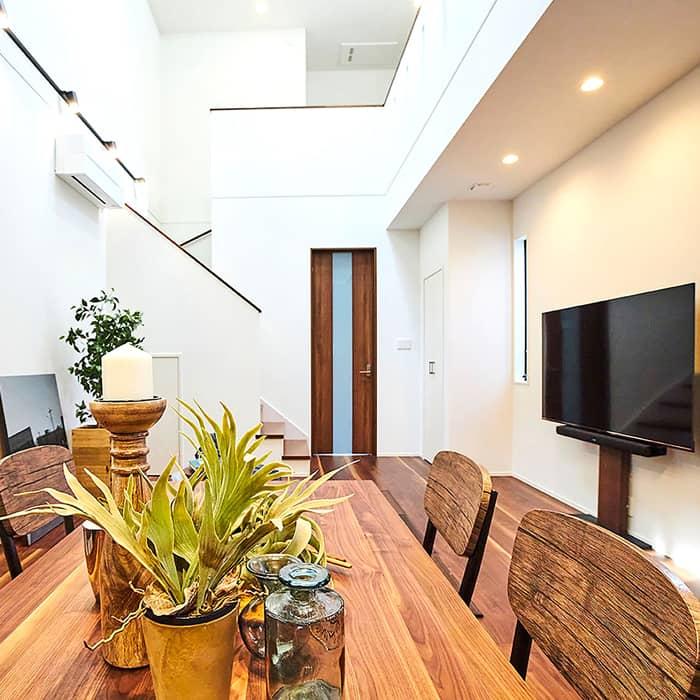 空間のタテ使いが広さの秘訣。吹抜けも収納も、こだわりづくしの家