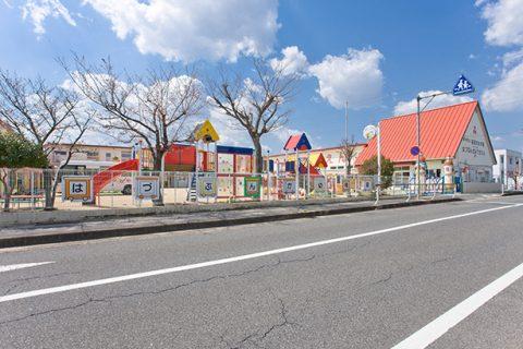 羽津文化幼稚園 徒歩約14分(1057m)